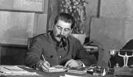 スターリン体制 ─ 主義・成立・問題点・五カ年計画・コルホーズ・大粛清・スターリン憲法【わかりやすく解説】